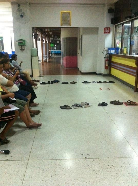 how they queue in thailand